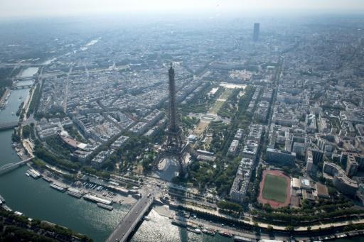 Tour Eiffel: des syndicats menacent d'une grève face à des difficultés d'accueil