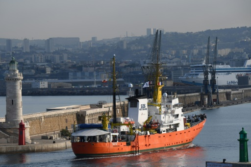 Après un mois à quai à Marseille, l'Aquarius va reprendre la mer