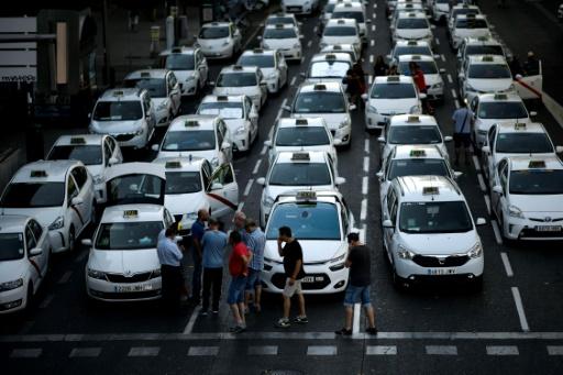Espagne : la grève des taxis se poursuivra mercredi