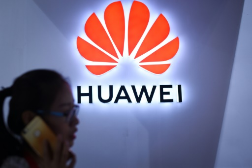Smartphones: le chinois Huawei passe devant Apple au deuxième trimestre
