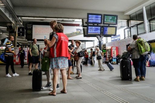 Montparnasse: la SNCF prévoit quatre trains sur cinq jeudi