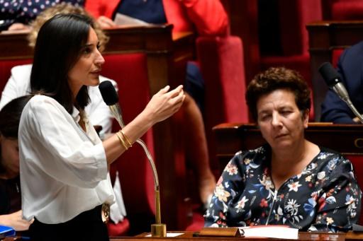 Remous autour de gestes d'un Insoumis à l'égard de la ministre Brune Poirson