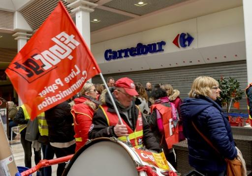 Carrefour: les salariés ex-Dia à l'heure du choix face à des offres
