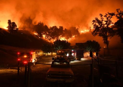 Les pompiers peinent à circonscrire les deux gros incendies de Californie