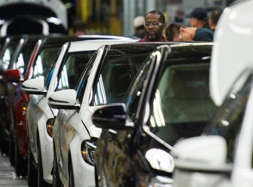 Trump assouplit les normes anti-pollution des voitures, colère de la Californie