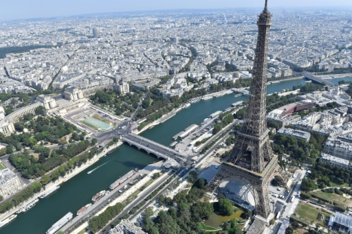 Tour Eiffel: fin de la grève, le monument rouvre vendredi matin