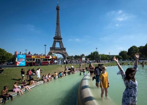 Tour Eiffel: fin de la grève , la