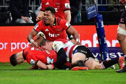 Super Rugby: les Crusaders conservent leur titre