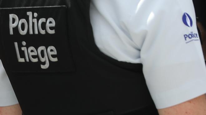 Un individu interpellé pour stupéfiants à Liège: une série d'armes retrouvées chez lui