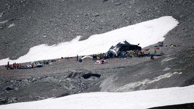 L'avion de collection qui s'est écrasé en Suisse a été identifié: les 20 occupants ont tous péri