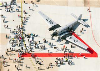 Vingt morts dans l'accident d'un avion militaire de collection suisse