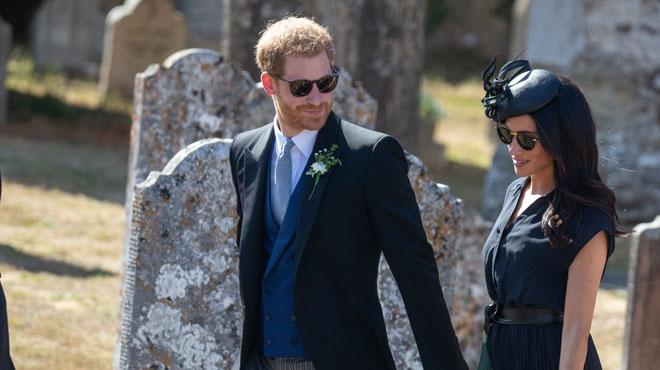 Le jour du mariage de son meilleur ami, le prince Harry a dû faire face à un petit imprévu qui n'est pas passé inaperçu parmi les convives