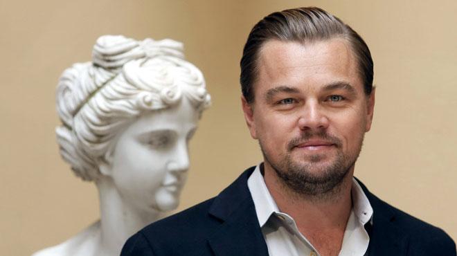 Leonardo Di Caprio passe ses vacances sur la côte amalfitaine avec sa nouvelle petite amie TRÈS sexy (photos)