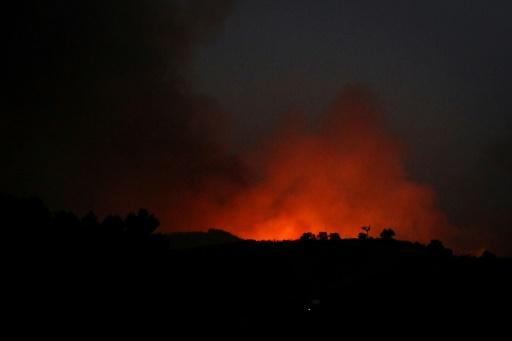 Un incendie menace une ville touristique du sud du Portugal
