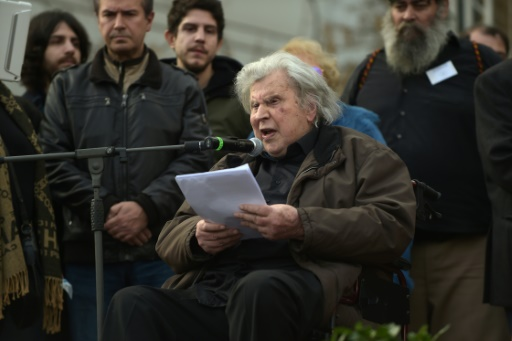 Grèce: Mikis Théodorakis sort de l'hôpital, sa santé