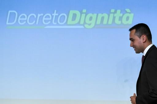 Italie: les populistes font adopter une loi controversée sur le travail