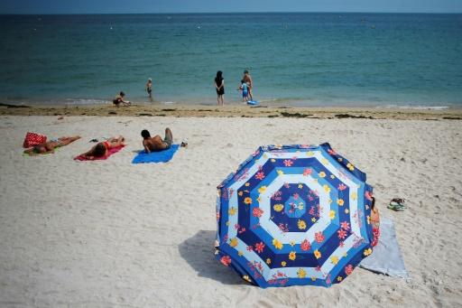 Sous le parasol, plus de clope ? Des plages expérimentent les vacances sans tabac