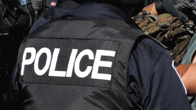 Violente fusillade au Canada: quatre morts dont deux policiers, un suspect arrêté