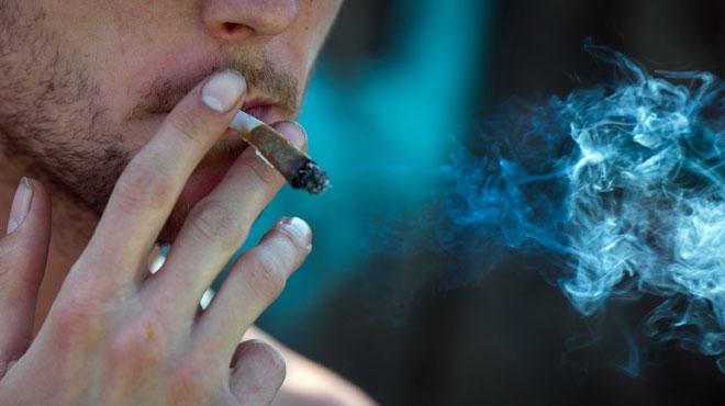 Le cannabis a (aussi) des effets dévastateurs sur les dents: