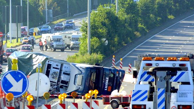 Les dépanneurs à la place des policiers pour sécuriser les lieux d'un accident: une mauvaise idée ?