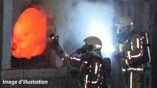 Un incendie ravage une maison à Grez-Doiceau: l'habitante a été blessée