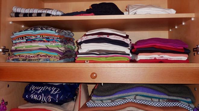 Avez-vous porté tous les vêtements de votre garde-robe ces douze derniers mois? La réponse est non!