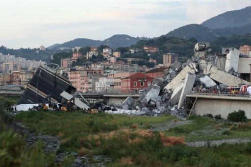 Viaduc effondré à Gênes: trois Français parmi les morts, selon le Quai d'Orsay