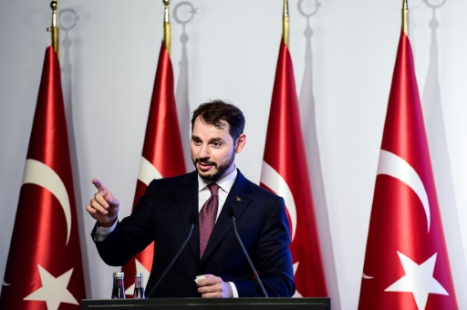 Turquie: le ministre des Finances va s'adresser aux investisseurs, la livre remonte