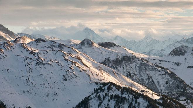 L'épave d'un avion écrasé en Suisse dans un glacier en 1946 refait surface (vidéo) By RTL Info 6029936