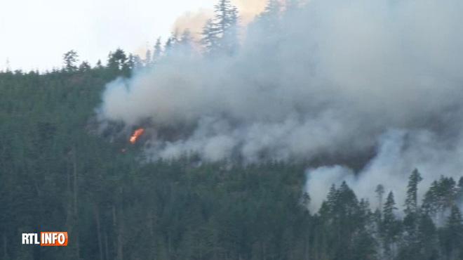 Gigantesques incendies au Canada: des pompiers...d'Australie et du Mexique appelés en renfort
