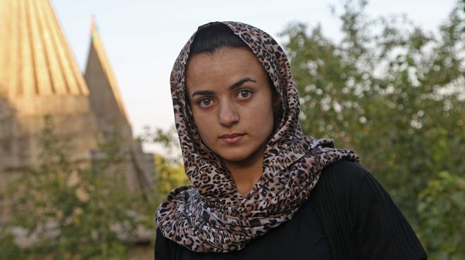 Cette jeune fille fuit les viols et supplices des terroristes de l'Etat islamique, puis croise son bourreau dans un supermarché allemand