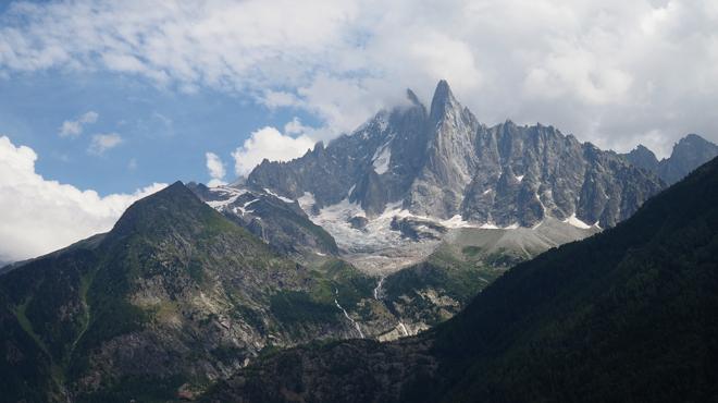 Insultes, coup de poing, faux guides... : l'ascension du Mont Blanc perdrait-elle de sa splendeur à cause des touristes irrespectueux?