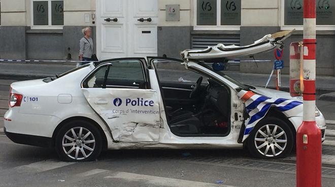 un accident impliquant une voiture de police fait 7 bless s dans le centre bruxelles photos. Black Bedroom Furniture Sets. Home Design Ideas