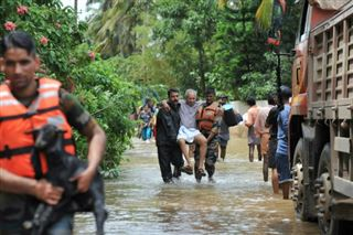 Inondations- des milliers d'Indiens piégés, le bilan s'alourdit