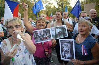 50 ans après la répression du Printemps de Prague, manifestation devant l'ambassade russe