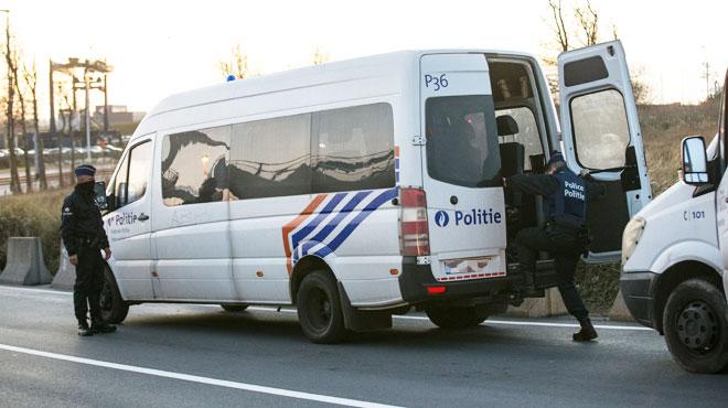 Dix membres d'une bande de trafiquants d'êtres humains interpellés à Wetteren