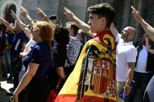 Le gouvernement approuve un décret pour exhumer Franco de son mausolée — Espagne
