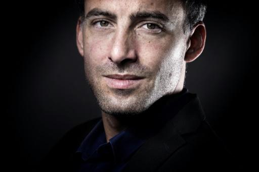 Raphaël Glucksmann remplacé à la direction du Nouveau Magazine Littéraire