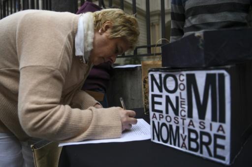 Argentine: 3.000 personnes renoncent à leur baptême en guise de protestation