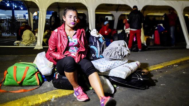 Mariangela a perdu 15 kilos en trois mois alors qu'elle est enceinte: elle fuit la faim au Venezuela et espère pouvoir gagner sa vie en Equateur