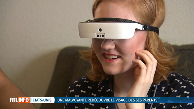 Grand moment d'émotion pour Shae, grâce à ces lunettes révolutionnaires, elle redécouvre le visage de ses parents qu'elle n'a plus vu depuis des années