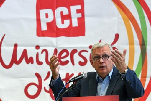Le Parti communiste  s'attaque à