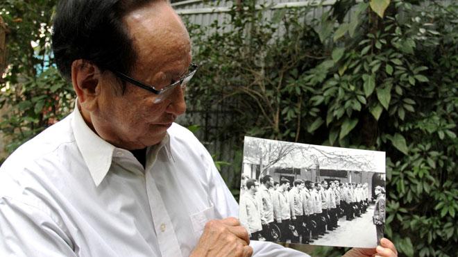 Tran, l'homme qui a retenu McCain prisonnier pendant 5 ans au Vietnam, se souvient: