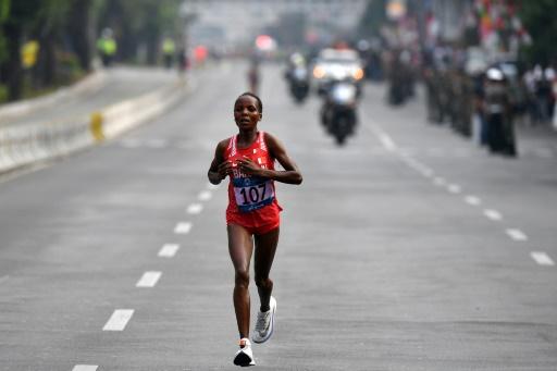 Jeux asiatiques: Chelimo remporte le marathon mais déplore la pollution