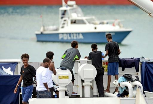 Italie: tous les migrants à bord du Diciotti ont débarqué
