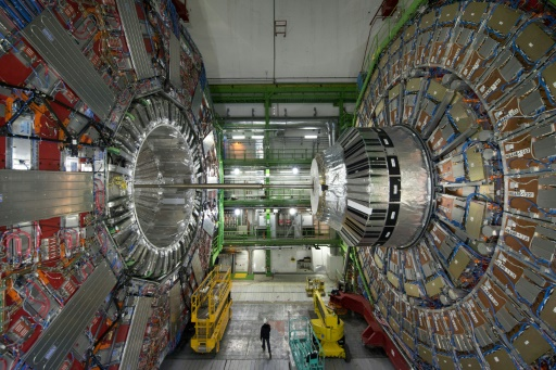 The Higgs boson caught in the act of disintegration.