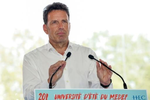 Entre Macron et les patrons, le désamour guette