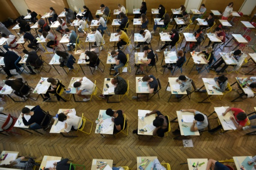Réforme du bac: le syndicat d'enseignants SE-Unsa dénonce une