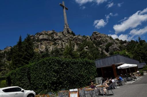 Espagne: Sanchez renonce à faire du mausolée de Franco un lieu de