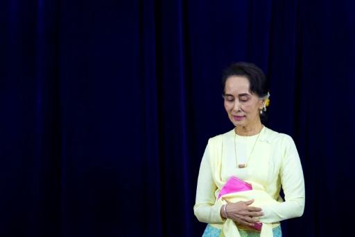 Pas question de retirer son Nobel à Aung San Suu Kyi